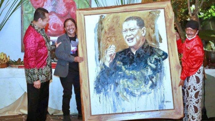 Bambang Soesatyo Buka Pameran Lukisan 'Semar Ngruwat Jagad'
