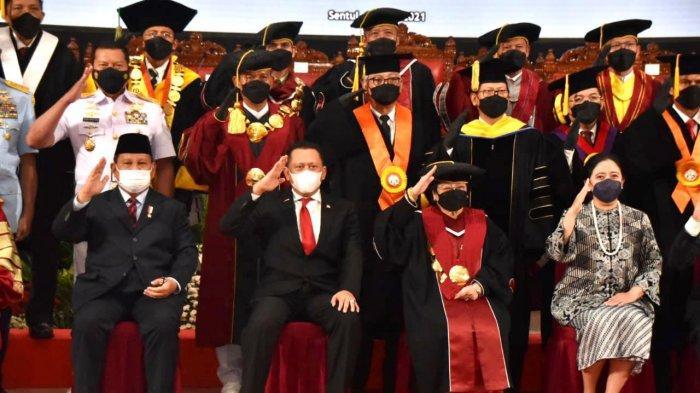 bamsoet saat menghadiri sidang senat terbuka pengukuhan gelar profesor kehormatan dari universitas pertahanan untuk presiden indonesia ke-5 megawati soekarnoputri, di kampus universitas pertahanan ri, bogor, jumat (11/6/21).