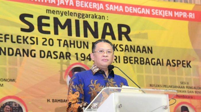 Bamsoet saat menjadi Keynote Speaker pada Seminar Nasional 'Refleksi 20 Tahun Pelaksanaan UUD NRI 1945', diselenggarakan Fakultas Hukum Universitas Katolik Indonesia Atma Jaya, Jakarta, Selasa (5/11/19).