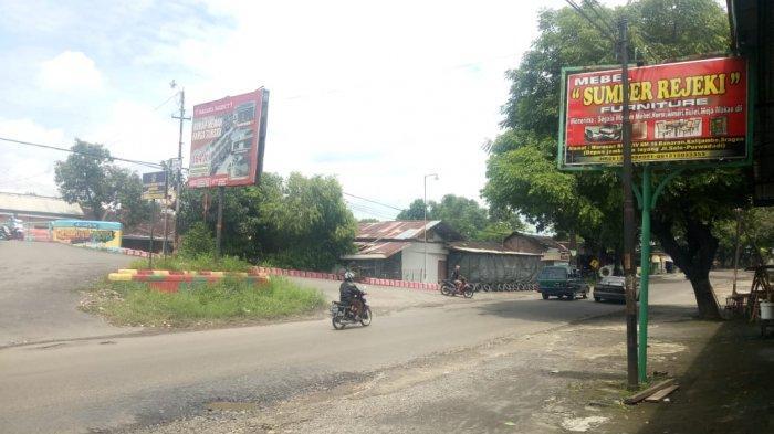 Lokasi kejadian viral motor hadang bus, Jalan Solo-Purwodadi Km 16, Desa Banaran, Kecamatan Kalijambe, Kabupaten Sragen, Jawa Tengah.