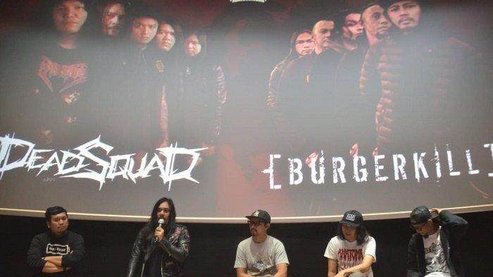 (kiri ke kanan) Adjie Aditya, Stevi Item 'Deadsquad', Vicky 'Burgerkill', Daniel Mardhany 'Deadsquad' dan Ebenz 'Burgerkill' saat ditemui di CGV FX Sudirman Jakarta Selatan, Jumat (14/12/2018).
