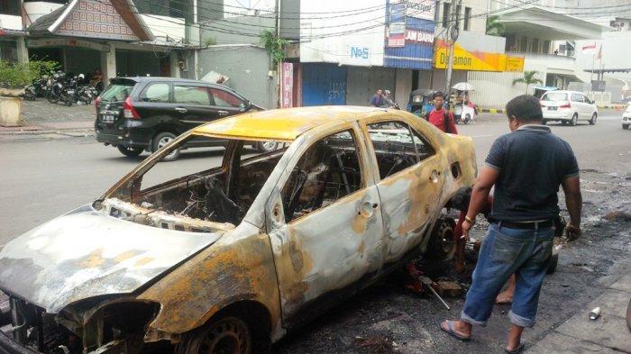 Kencangnya Suara Ledakan Mobil Terbakar di Pecenongan Sempat Membuat Panik Warga