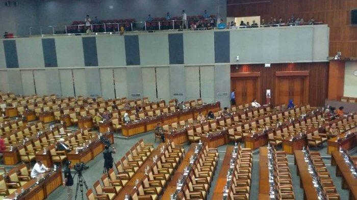 261 Anggota Dewan Absen di Paripurna Pengesahan Pimpinan Baru KPK