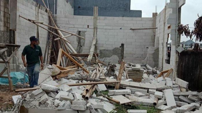 Larangan Membangun Dicuekin, Bangunan Liar di Jalan Blok Duku Jakarta Dibongkar