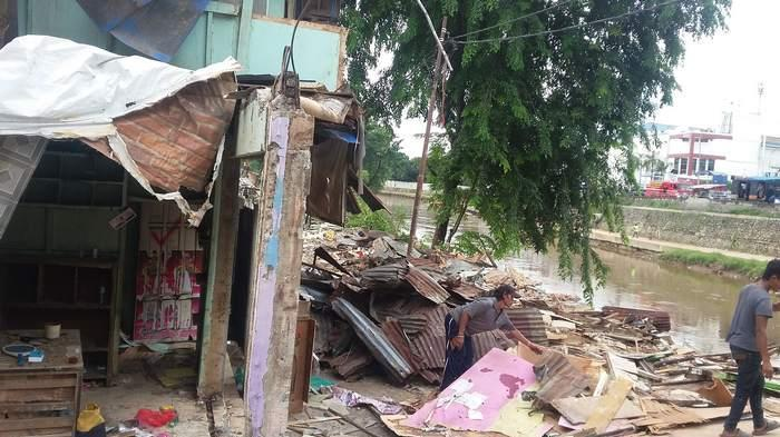 Digusur, 53 KK Warga Cawang di Bantaran Kali Ciliwung Akan Golput