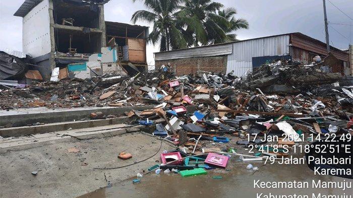 Pusat Pengendali Operasi Badan Nasional Penanggulangan Bencana (BNPB) melaporkan hingga 17 Januari 2021 pukul 20.00 WIB jumlah korban meninggal dunia akibat gempa M6,2 di Provinsi Sulawesi Barat menjadi 81 orang.