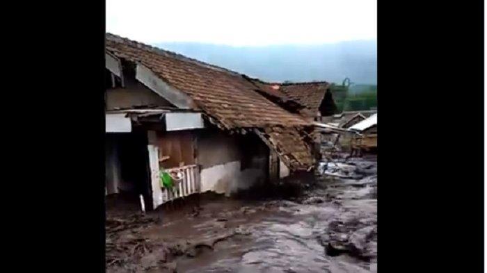 Banjir Bandang Terjang Desa Sempol Bondowoso, 200 KK Terdampak, 2 Terluka dan 1 Lansia Dirawat