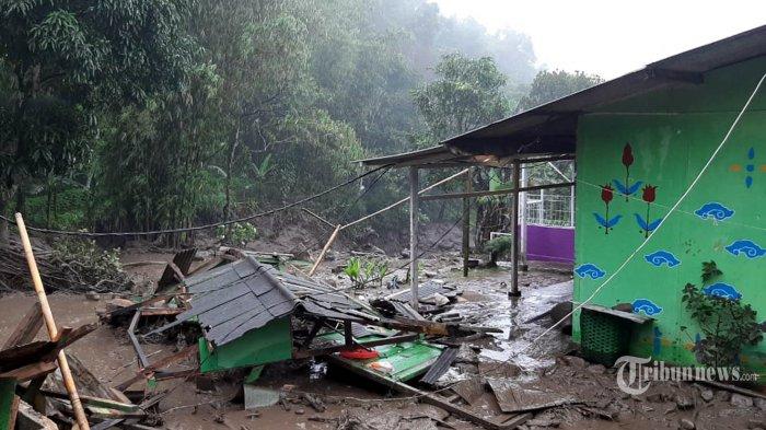 4 Fakta di Balik Banjir Bandang Terjang Puncak Cisarua Bogor yang Viral di Media Sosial