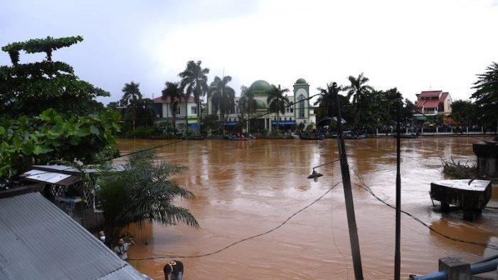 Menko PMK: Banjir Kalimantan Selatan Dampak dari La Nina