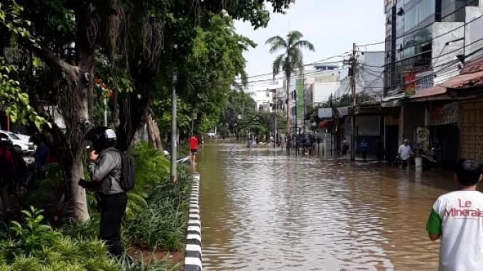 Banjir di depan PN Jakarta Pusat, Kamis, 2 Januari 2020.