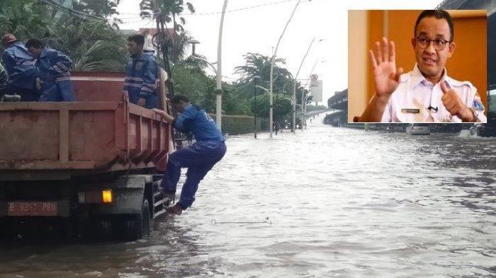 Banjir terjadi di depan gedung Gudang Garam, Cempaka Putih, Jakarta Pusat, Sabtu (8/2/2020)(KOMPAS.COM/WALDA MARISON)