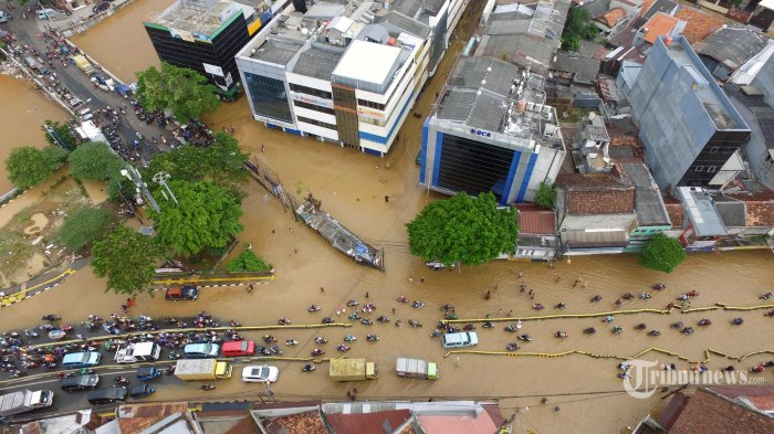 Banjir Terjang Jakarta, Tagar AniesDimana Sempat Merajai Trending Topic