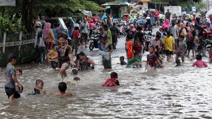 Pengamat: Antisipasi Banjir Jakarta, Anies Harus Lakukan Langkah Extraordinary