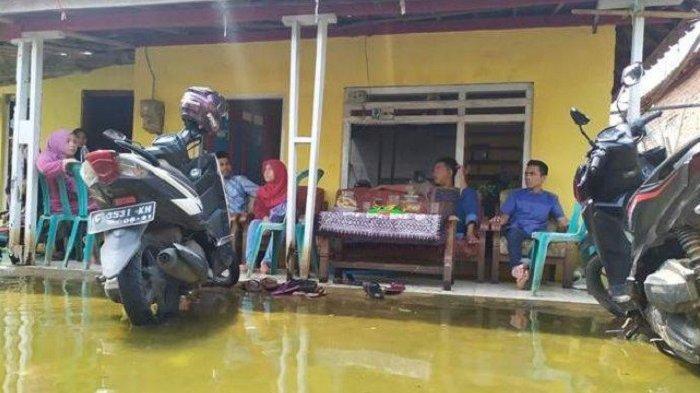 Banjir Rob Landa Dukuh Clumprit di Pekalongan, Warga Pasrah Lebaran Tak Meriah, Makanan Sisa Banyak