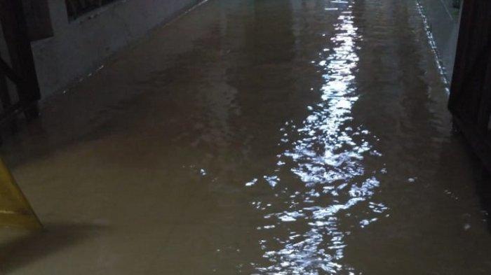 Gedung Pusat Kesehatan Ibu dan Anak RSCM Jakarta Kebanjiran