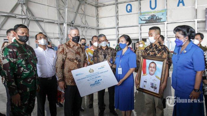 Jokowi Janji Bikinkan Rumah Untuk Keluarga Almarhum Awak Kapal Selam Nanggala 402