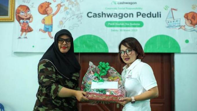 Beri Bantuan ke Rumah Yatim Piatu Yos Sudarso, Cashwagon Dorong Literasi Keuangan dan Pendidikan