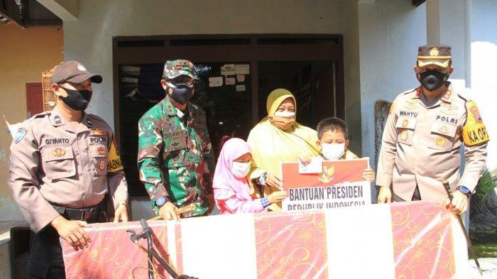 Tabungan Pendidikan dari Presiden untuk Ghifari yang Orangtuanya Meninggal Terpapar Virus Corona