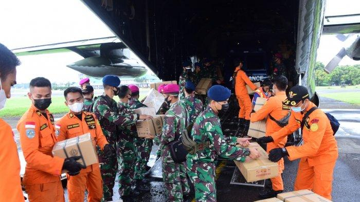 Personel Batalyon Kesehatan TNI AU Bantu Penanggulangan Bencana Flores