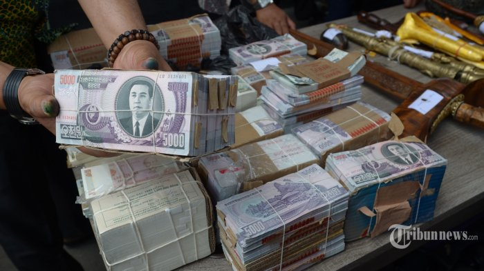 Rupiah Bergerak Menguat ke level Rp 13.039 Per Dolar AS