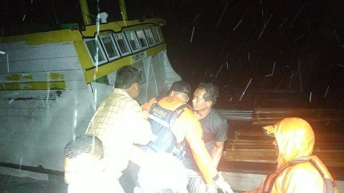 KM Sumber Baru Bocor dan Nyaris Tenggelam di Wakatobi, 8 Penumpang Berhasil Dievakuasi