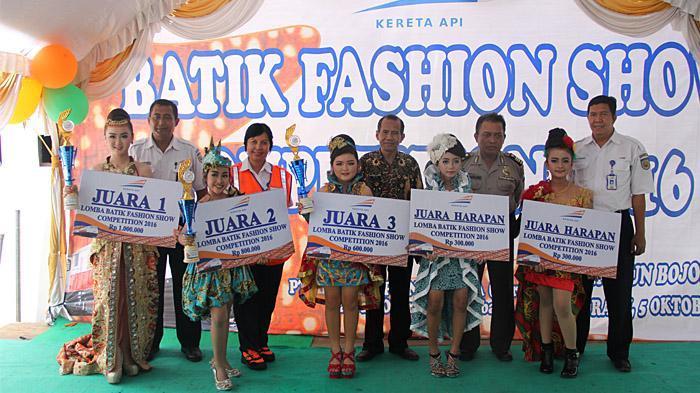 PT KAI Daop 8 Surabaya Perkenalkan Batik Nusantara di Stasiun Bojonegoro