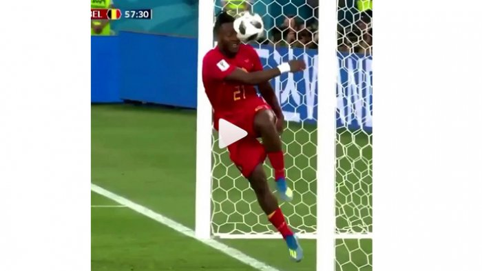 Momen-Momen Lucu yang Terjadi di Piala Dunia 2018: Gebok Wajah Sendiri Hingga Legenda yang Tertidur