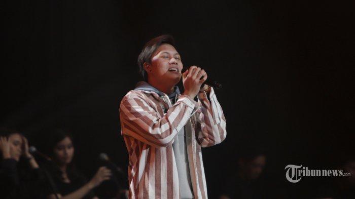 Penyanyi Rizky Febian saat tampil di Java Jazz Festival 2020, di JIExpo Kemayoran Jakarta, Jumat (28/2/2020). Putra sulung komedian Sule itu menjadi pembuka gelaran Java Jazz Festival 2020 yang berlangsung 28 Februari hingga 1 Maret 2020. TRIBUNNEWS/HERUDIN