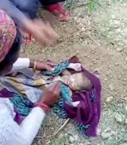 Bayi yang dikubur hidup-hidup diselamatkan.