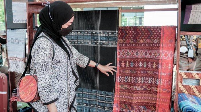 Kemenparekraf Gelar Bazar Hampers Produk Ekraf dengan Promo Gratis Ongkir
