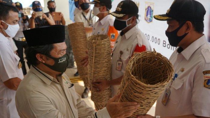 Pengganti Kantong Plastik untuk Idul Adha, Baznas Bazis DKI Borong 150 Ribu Bongsang Milik Pengrajin