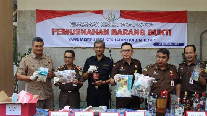 Bea Cukai dan Kejari Yogyakarta Musnahkan Ribuan Barang Hasil Penindakan