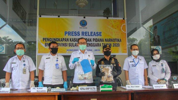 Bea Cukai Kendari Bersama BNNP Sultra Ungkap Penyelundupan Narkotika Via Jasa Pengiriman