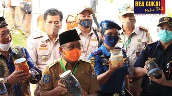 Bea Cukai Parepare Turut Lepas Ekspor Perdana Cangkang Sawit