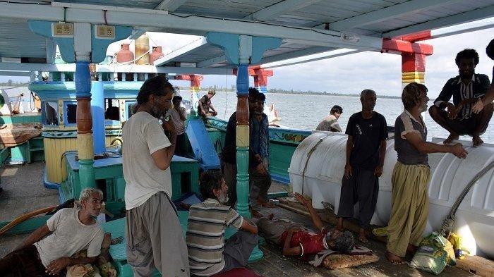 Bea Cukai  Periksa Kapal Iran yang Terdampar di Perairan Aceh Barat