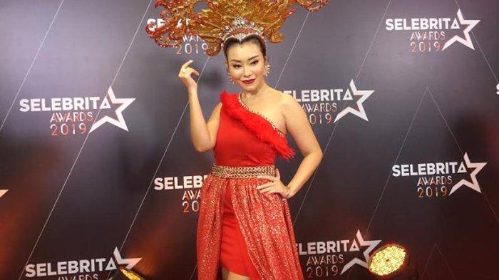 Pedangdut Baby Sexyola saat ditemui di kawasan Jl. Kapten Tendean Jakarta Selatan, Kamis (19/9/2019).