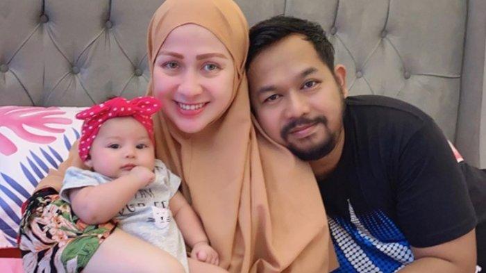 Bedu bersama istri dan anaknya