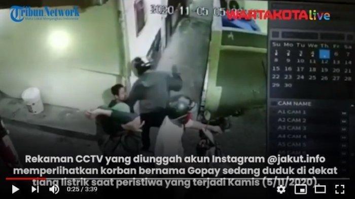 Viral Aksi Nekat Begal HP, Beraksi di Gang Sempit, Bonceng Tiga, Acungkan Celurit