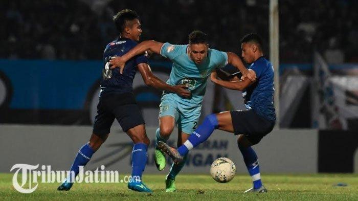 Begini Pembelaan M Rafli yang Tak Mampu Cetak Gol Saat Jadi Striker di Laga Persela Vs Arema FC