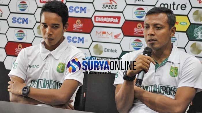 Asisten pelatih Persebaya Surabaya, Bejo Sugiantoro, saat jumpa pers final Piala Presiden Persebaya Surabaya Vs Arema FC di Surabaya, Senin (8/4/2019).