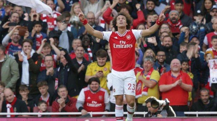 Kerap Buat Kesalahan Fatal, Robin Van Persie Heran Arsenal Perpanjang Kontrak David Luiz