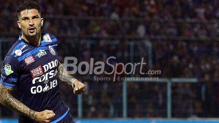 Bursa Transfer Liga 1, Arema FC Bergeliat, Selangkah Lagi Pulangkan Arthur Cunha