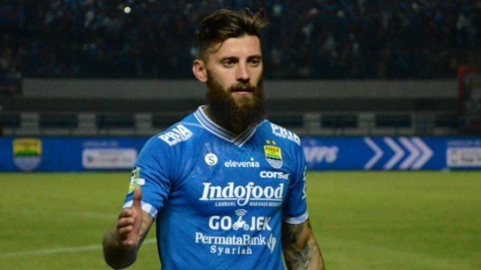 Bek Persib Bandung asal Serbia, Bojan Malisic seusai melawan Arema di Stadion Gelora Bandung Lautan Api, Kamis (13/9/2018) pada Liga 1 2018 pekan ke-21.