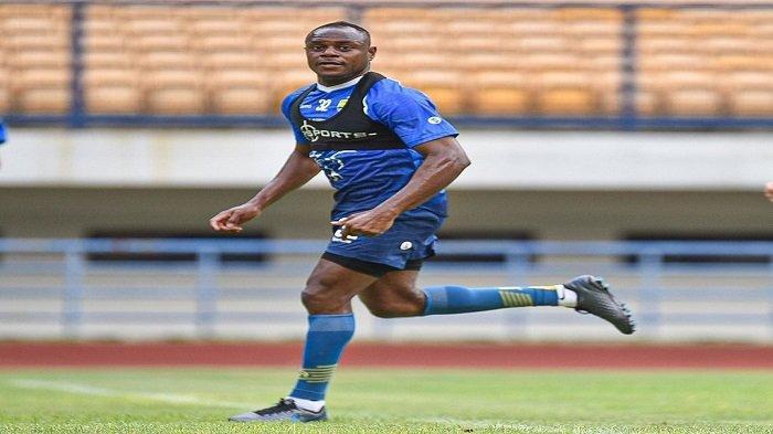 Bek senior milik Persib Bandung, Victor Igbonefo