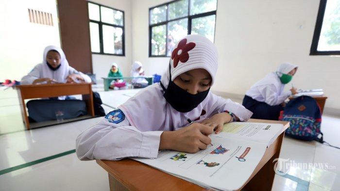 Protokol Sekolah Tatap Muka di Jateng, Ganjar Pranowo: Siswa Dilarang Naik Angkot!