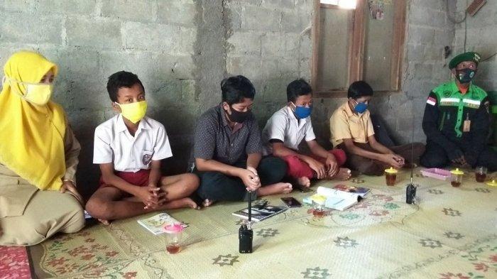 Selama Pandemi, Siswa SMP N 5 Wates Belajar Gunakan HT