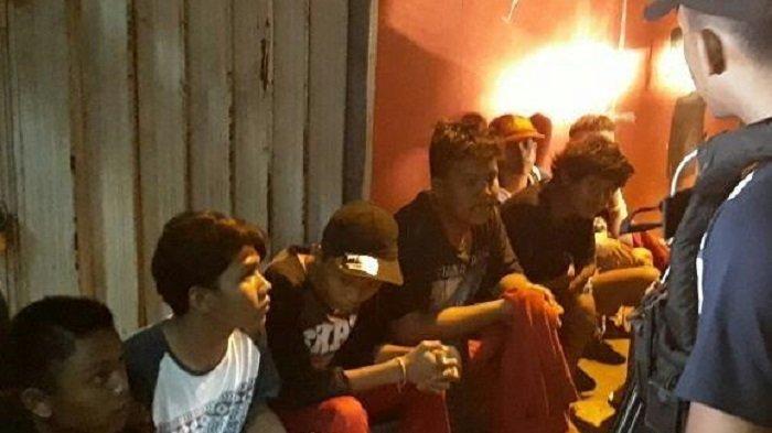 Jimat Hingga Celurit Diamankan Polisi Dari Belasan Pemuda Pelaku Tawuran di Depok