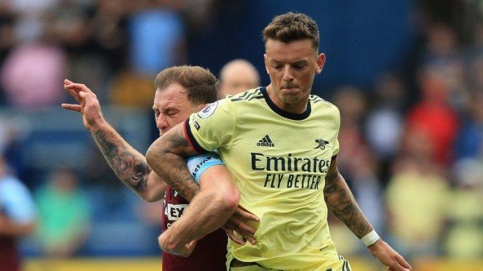 Liga Inggris: Nyaris Bikin Arsenal Celaka, Ben White Salahkan Kualitas Lapangan Burnley