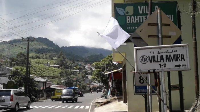 Setelah Menteri Sandiaga Uno, Bupati Bogor Juga Komentari Bendera Putih di Wilayahnya
