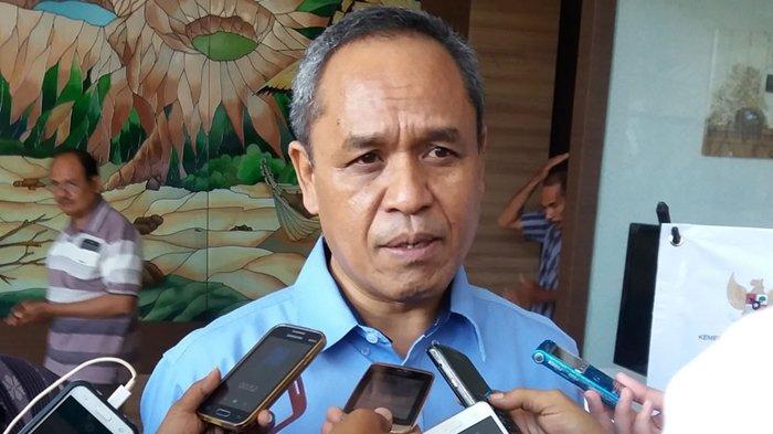 Benny K Harman Bawa LPDB KUMKM Pertama ke Maumere